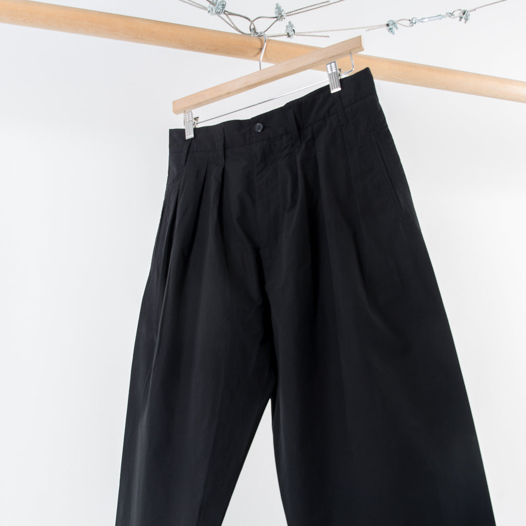 ARCHIVE SALE - HED MAYNER - 3 PLEAT TROUSERS BLACK