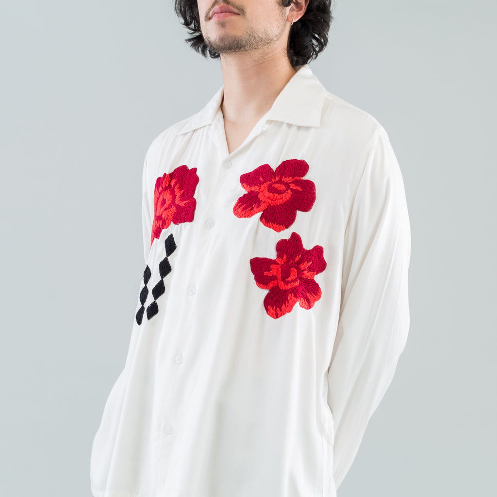 FLOWER EMBROIDERY SHIRT - WHITE