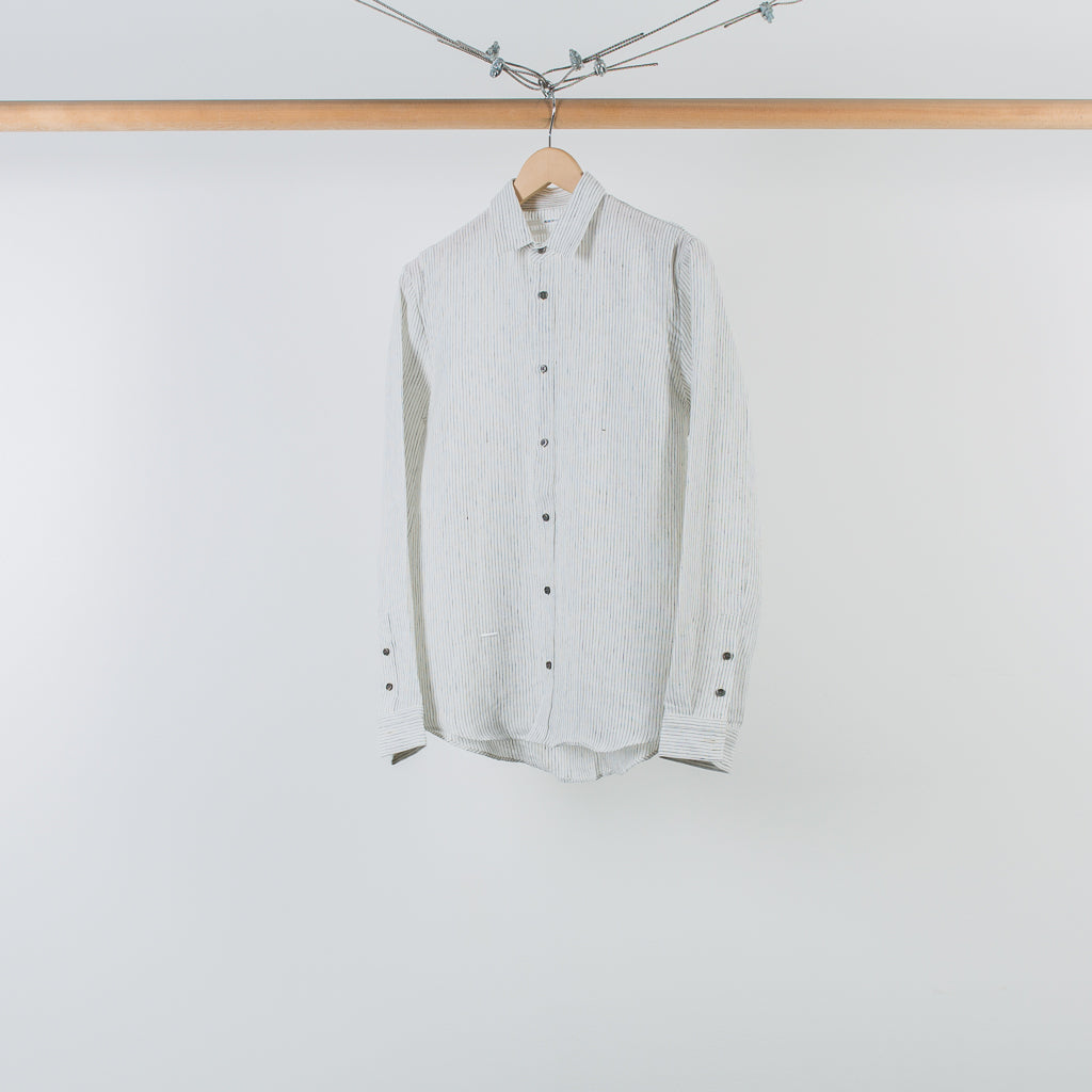 THE STRIPED ARMHOLE PLEAT SHIRT WHITE