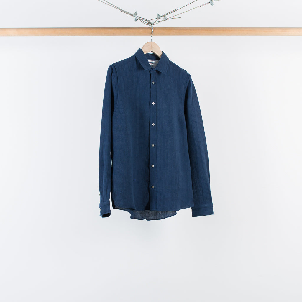 THE STRIPED ARMHOLE PLEAT SHIRT NAVY