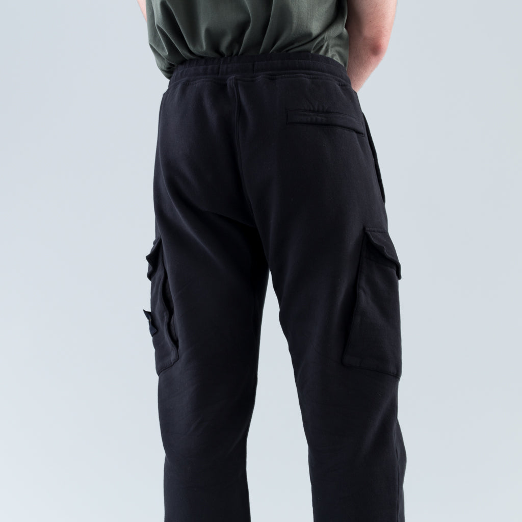 GARMENT DYED TAPERED CARGO SWEATPANTS - BLACK
