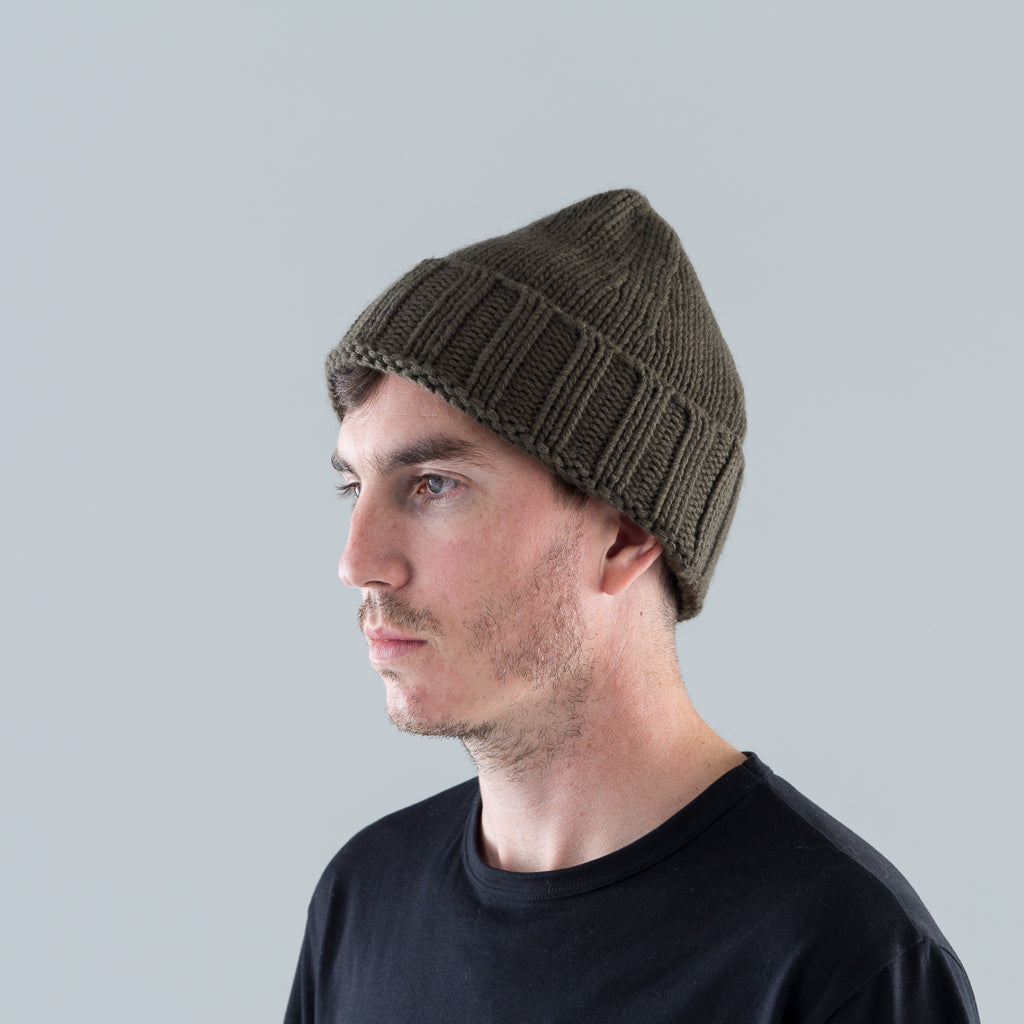 KNIT BEANIE - OLIVE GREEN