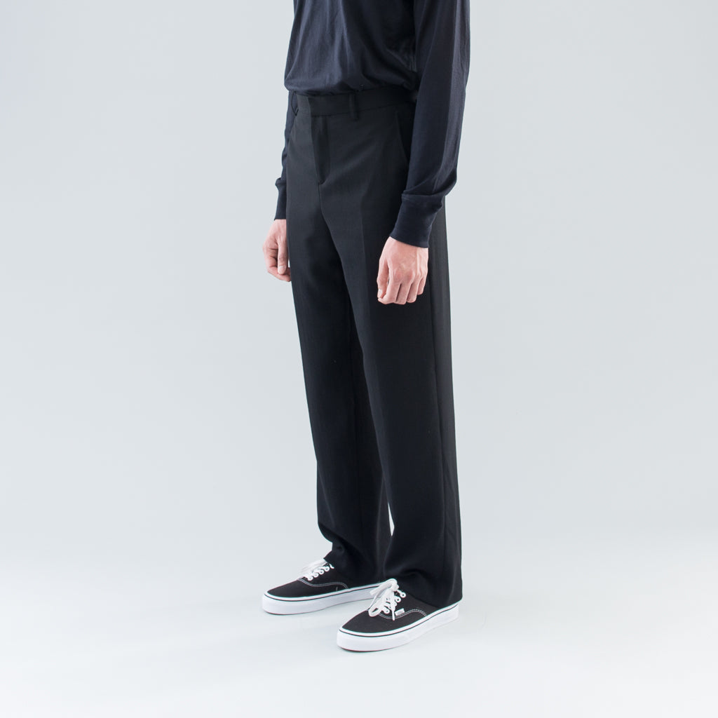 CENTER PRESS PANTS - BLACK