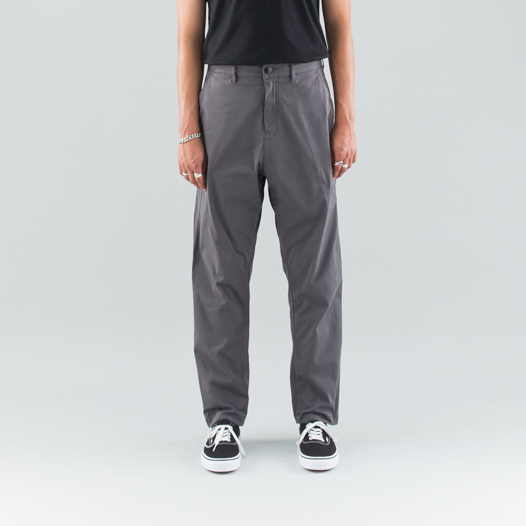 TAPERED GABARDINE PANTS - GRAY