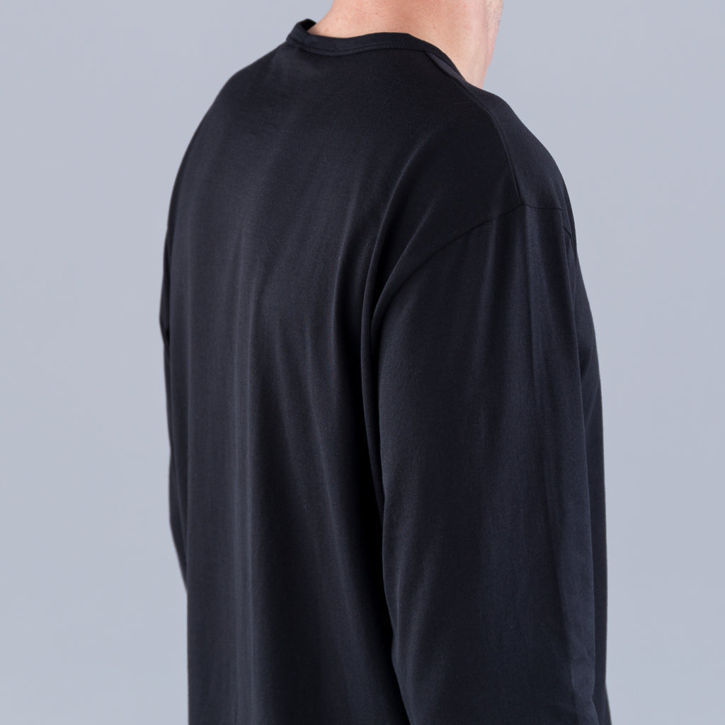 Q82 LONG SLEEVE CREW NECK - BLACK
