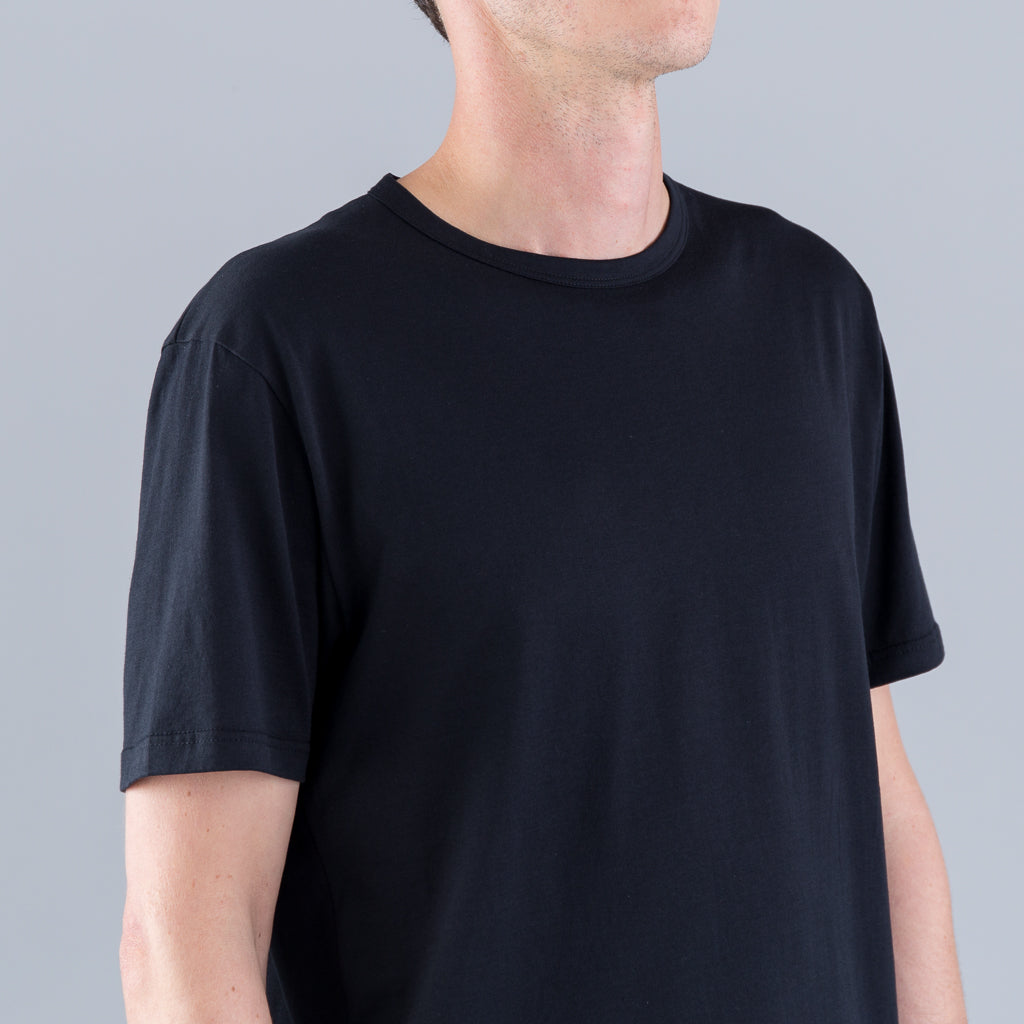 Q82 SHORT SLEEVE CREW NECK - BLACK