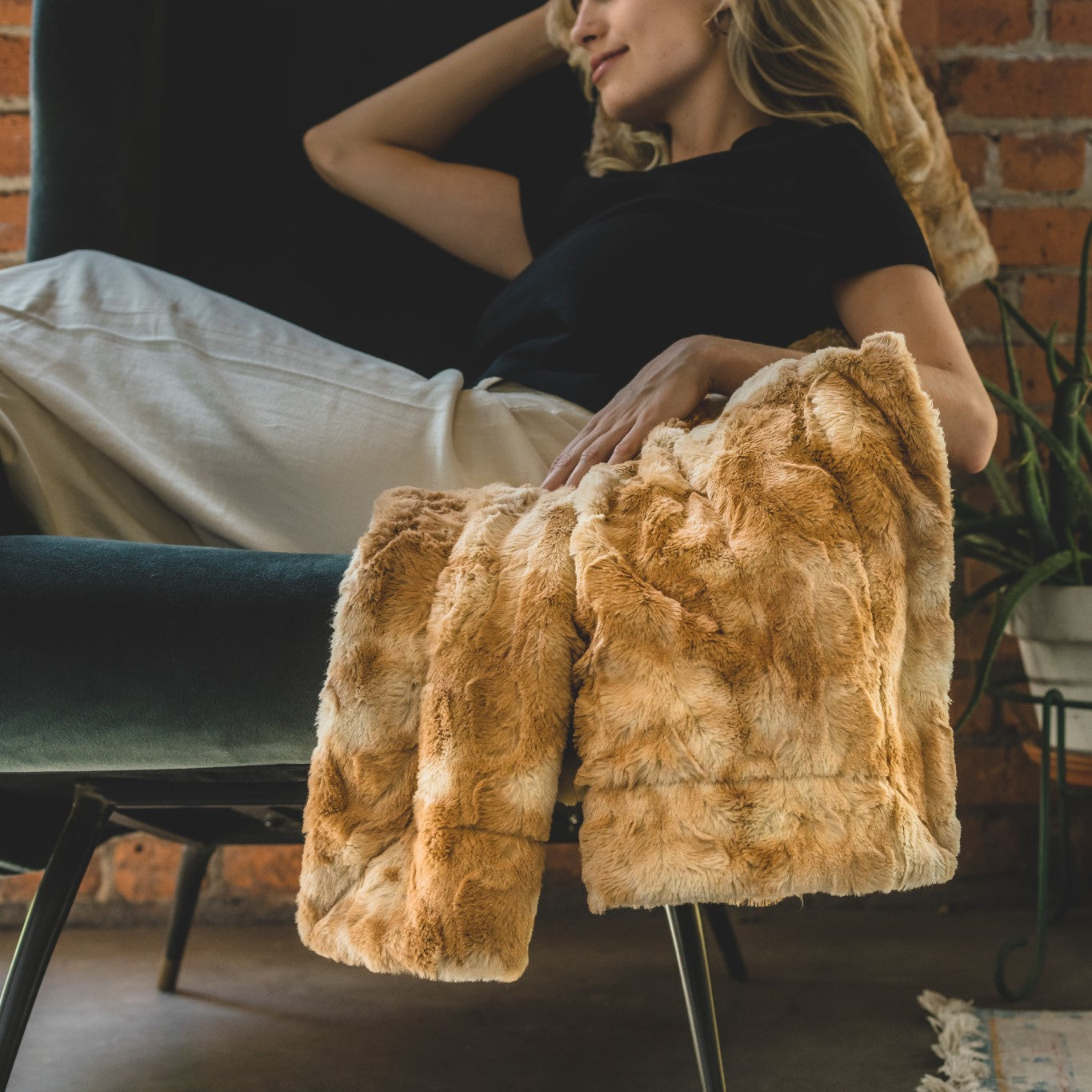 Faux Fur & Sherpa Throw