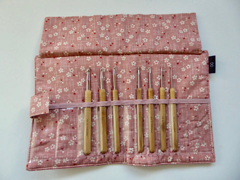 Crochet hook with aluminium tips set