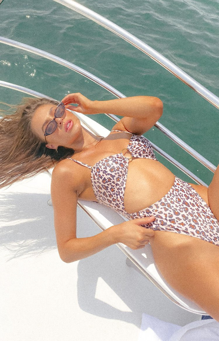 https://files.beginningboutique.com.au/20191230+-+9.0+Swim+Wildcat+One+Piece+Leopard+Print.mp4