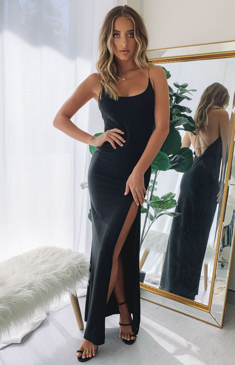 https://files.beginningboutique.com.au/Alissa+Formal+Dress+Black.mp4