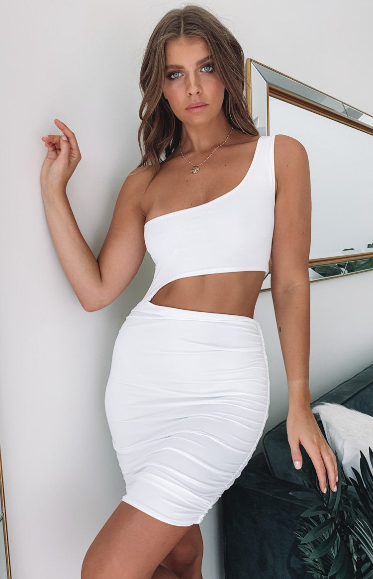 https://files.beginningboutique.com.au/Angelica+One+Shoulder+Dress+White.mp4