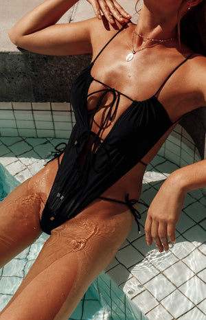 9.0 Swim x Ariella Aquata One Piece Black