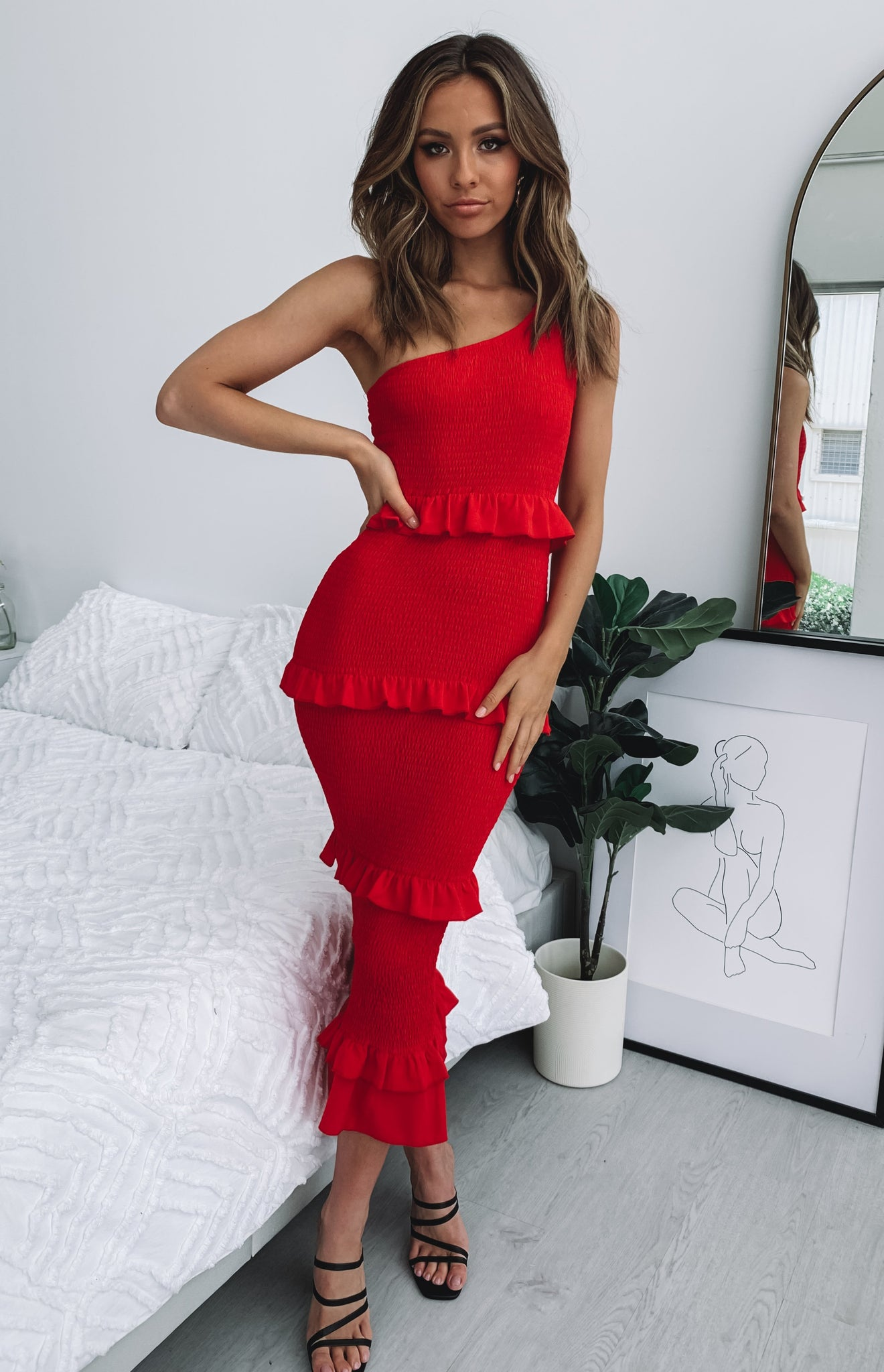 https://files.beginningboutique.com.au/Augustine+Shirred+Midi+Dress+red.mp4