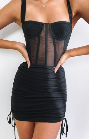 https://files.beginningboutique.com.au/20200717+-+Binx+mini+skirt+black.mp4