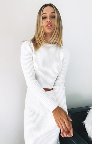https://files.beginningboutique.com.au/20200420-Blitz+long+sleeve+ribbed+top+White.mp4