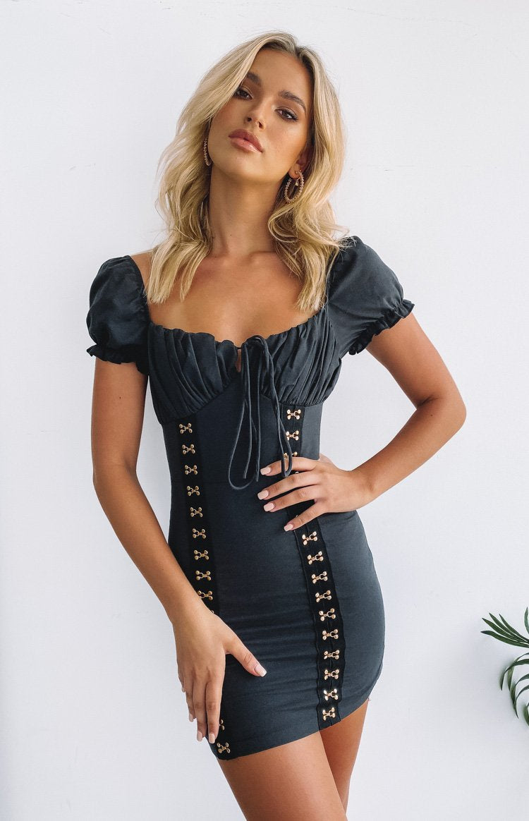 https://files.beginningboutique.com.au/20191223-Day+Dreamer+Hook+%26+Eye+Dress+Black.mp4