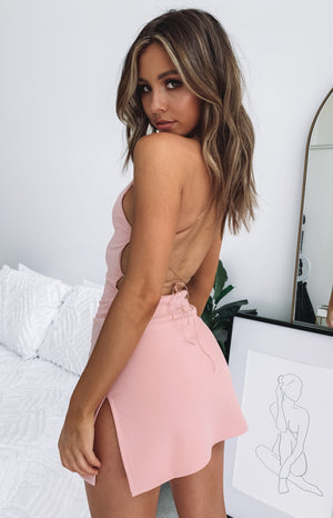 https://files.beginningboutique.com.au/Delilah+Dress+Dusty+Pink.mp4