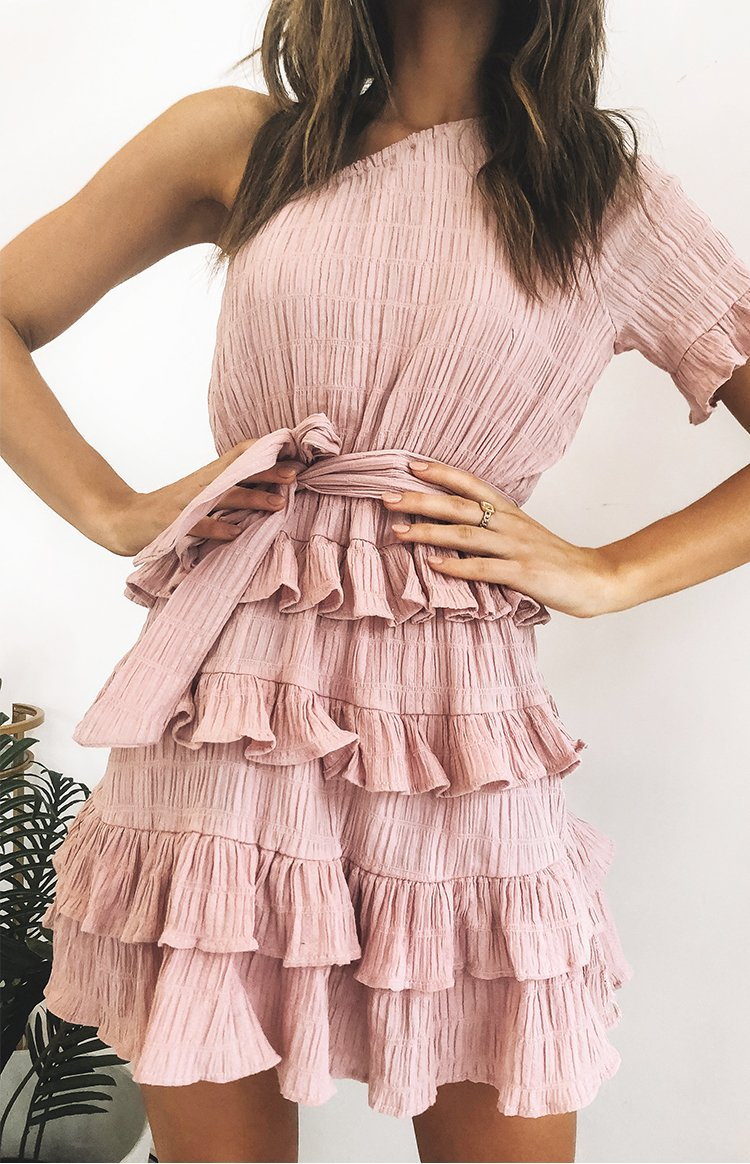 https://files.beginningboutique.com.au/Delpha+Dress+Pink.mp4