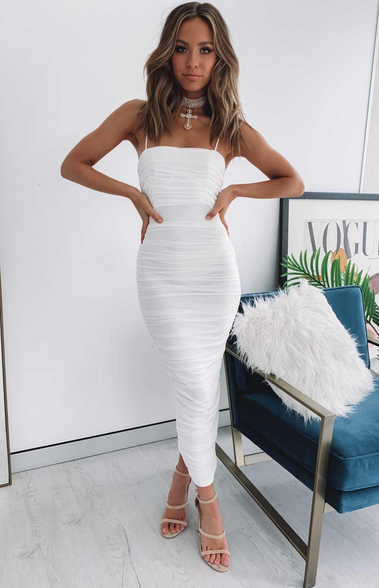 https://files.beginningboutique.com.au/Dominica+Shirred+Mini+Dress+White.mp4
