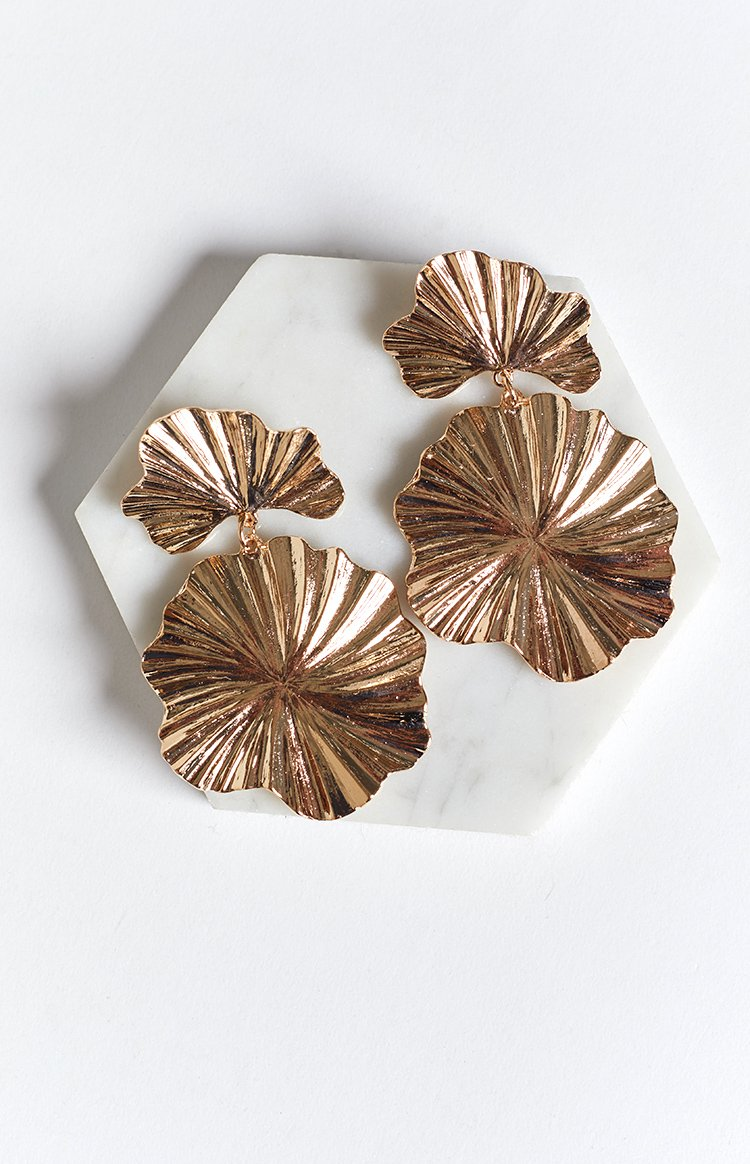 Eclat Jai Leaf Earrings Gold