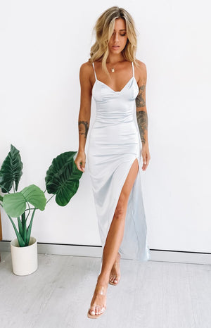 https://files.beginningboutique.com.au/20200316-freesia+formal+dress+silver+2.mp4