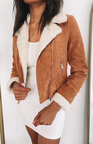 https://files.beginningboutique.com.au/202000807+-+Gabbie+Cord+Jacket+Tan.mp4