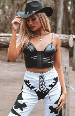 https://files.beginningboutique.com.au/Clem+Faux+Leather+Corset.mp4