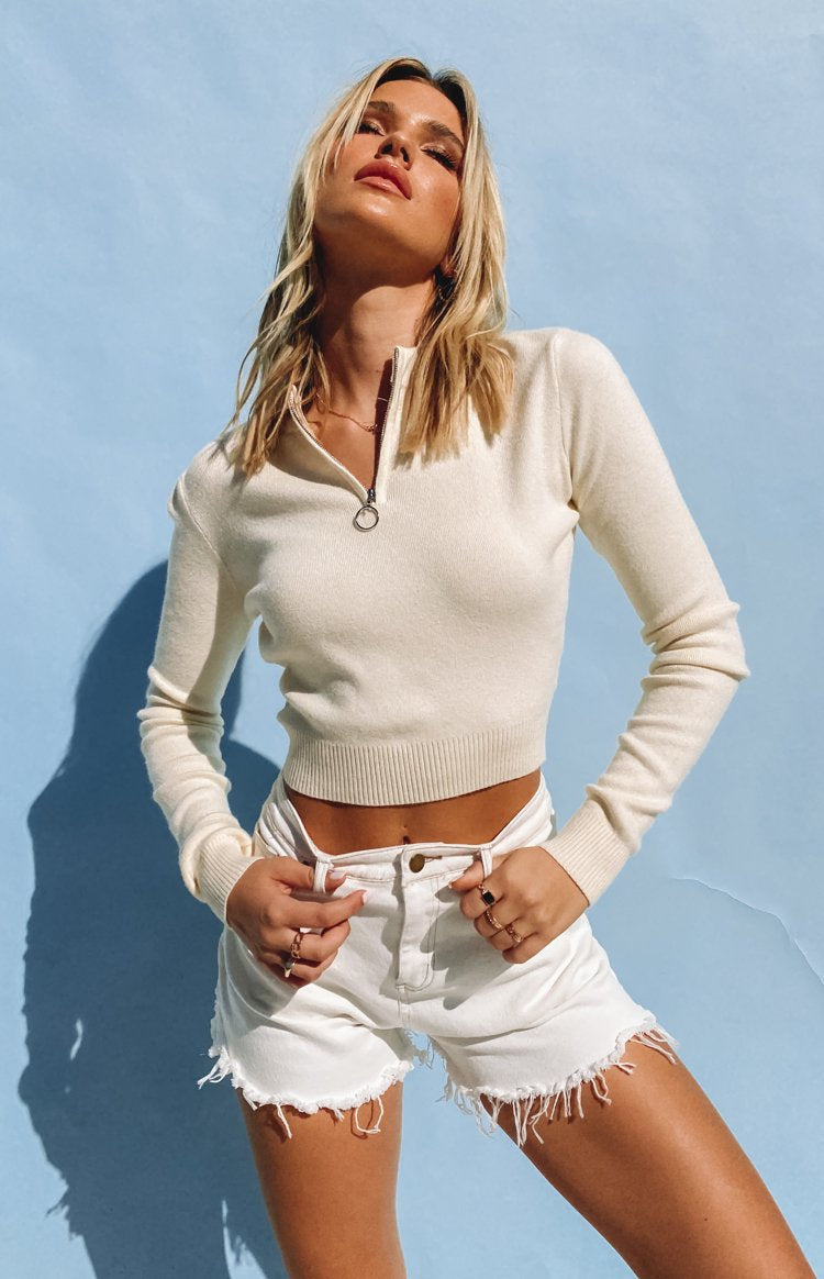https://files.beginningboutique.com.au/20200601-Hotline+Long+Sleeve+Knit+Top+Beige.mp4