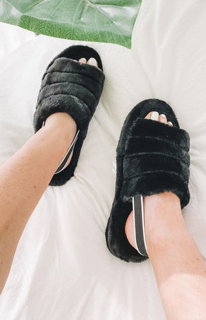 Snuggles Fluffy Sandals Black