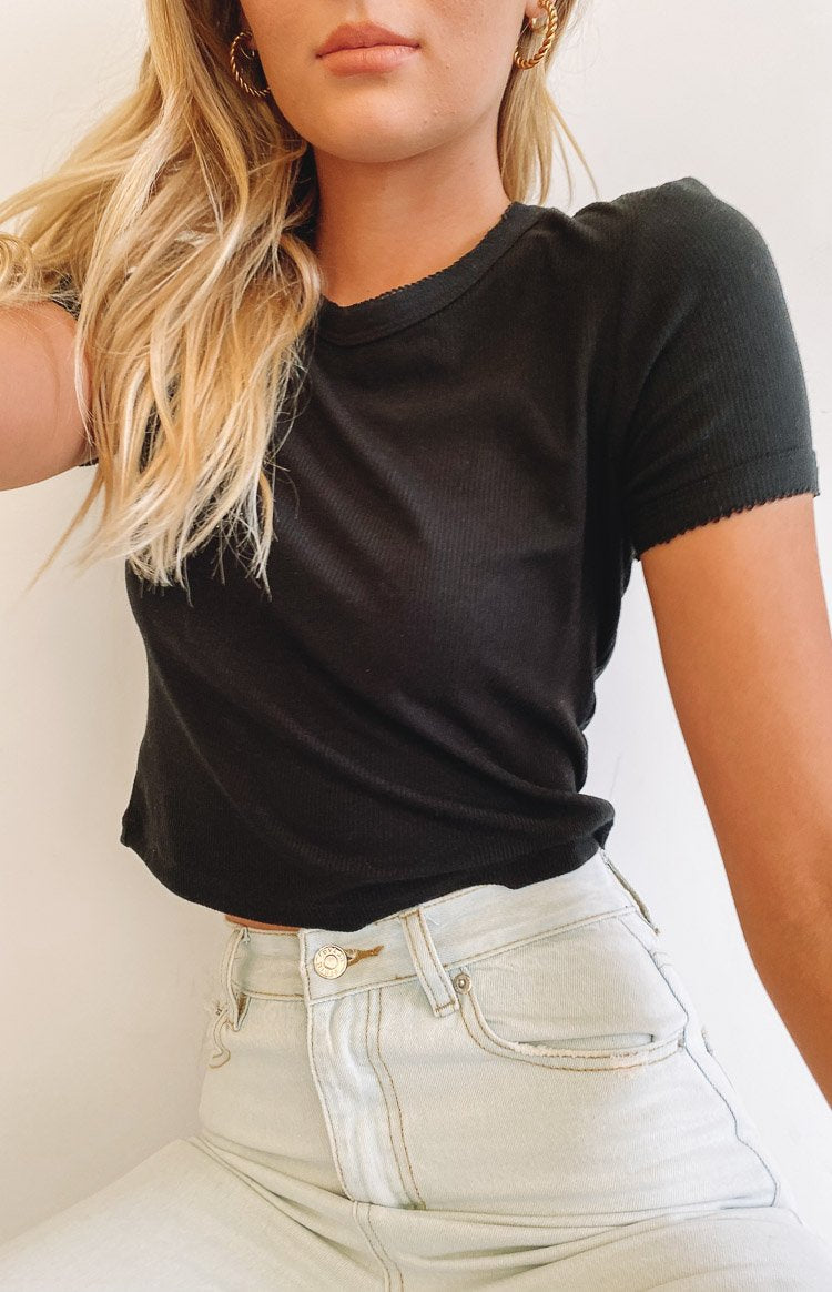 Ikira Cropped Tee Black
