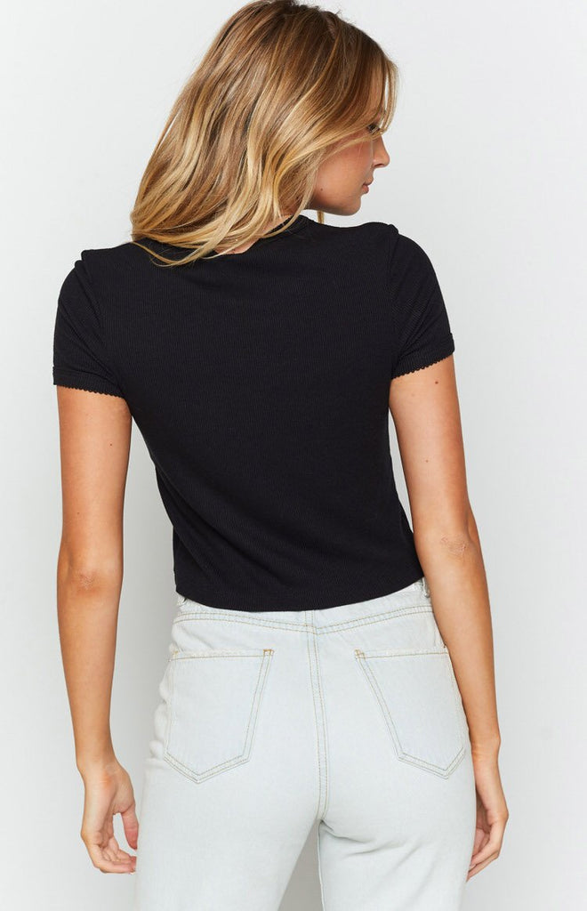 Ikira Cropped Tee Black 7