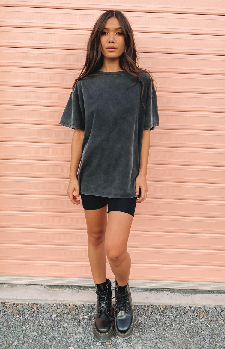 https://files.beginningboutique.com.au/20200427-Infusion+Oversize+Tee+.mp4