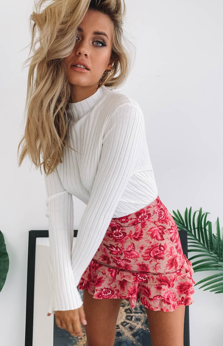 https://files.beginningboutique.com.au/Karina+Ruffle+Skirt+Pink+Floral+.mp4