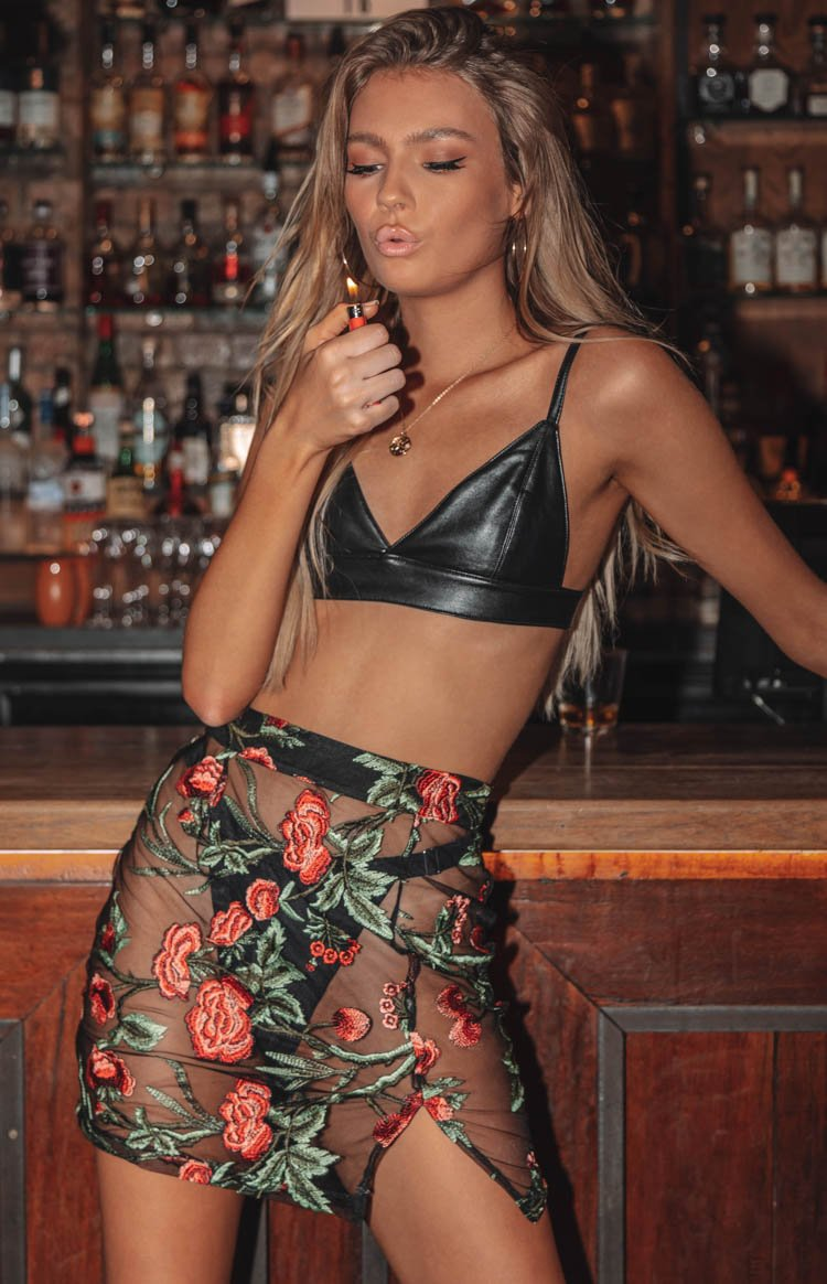 https://files.beginningboutique.com.au/Keith+Skirt+Rose+Mesh.mp4