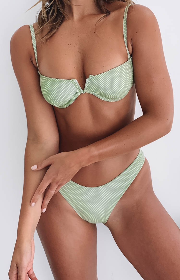 https://files.beginningboutique.com.au/viola-bikini-green.mp4