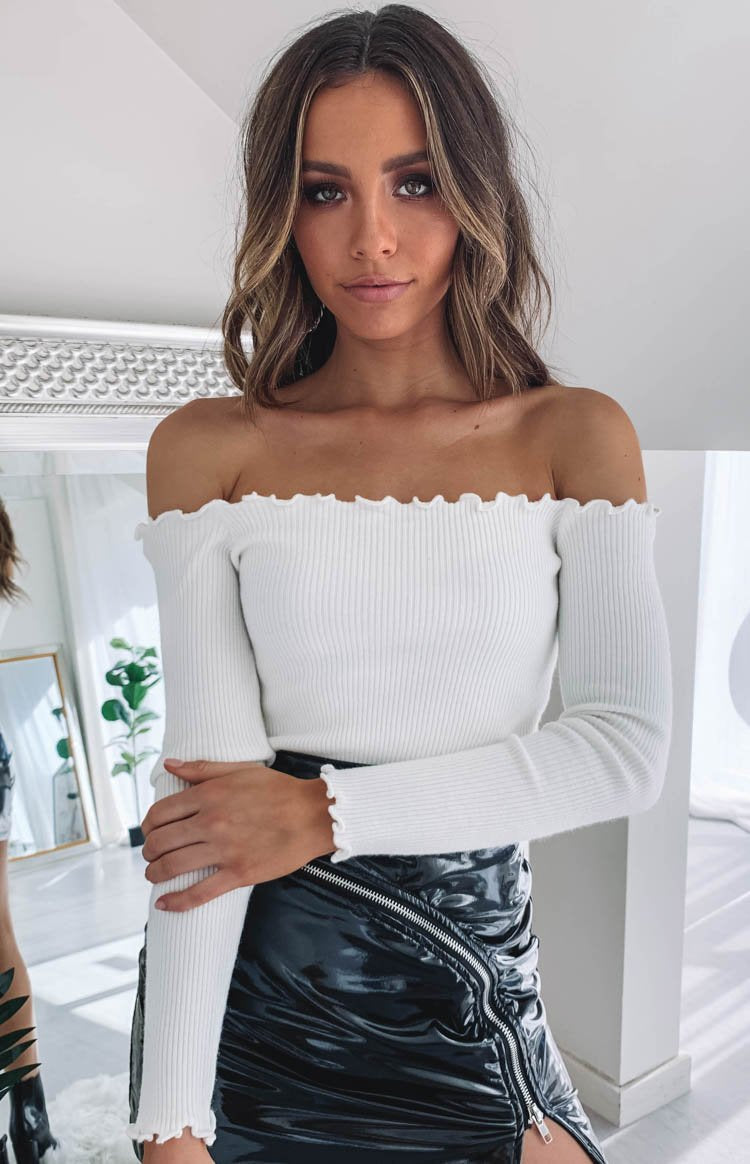 https://files.beginningboutique.com.au/Lorraine+Off+Shoulder+Knit+White+2.mp4