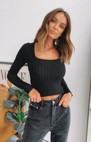 https://files.beginningboutique.com.au/20200520-Maci+Rib+Square+Neck+Top+Black.mp4