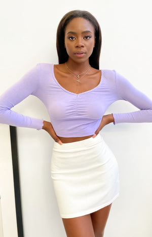 https://files.beginningboutique.com.au/20200724+-+Michelle+long+sleeve+crop+top+lilac.mp4