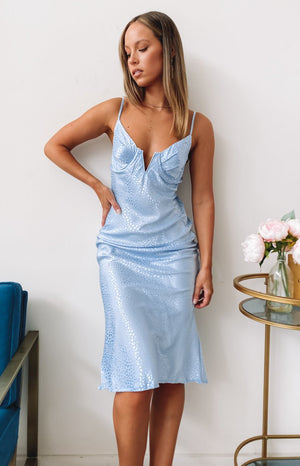 https://files.beginningboutique.com.au/20200408-Milky+Way+Midi+Dress+Blue+-+19700-1.mp4
