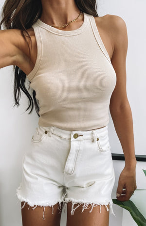 https://files.beginningboutique.com.au/20200330-Naomi+Ribbed+Tank+Beige+-+Q19588.mp4