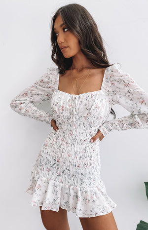 https://files.beginningboutique.com.au/2020403-Natalia+Long+Sleeve+Dress+Biege+Floral.mp4