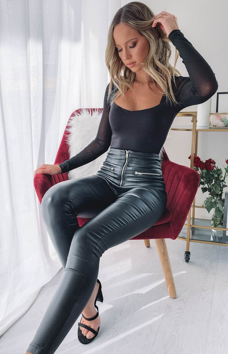 https://files.beginningboutique.com.au/Night+Fall+Long+Sleeve+Mesh+Party+Bodysuit+Black.mp4