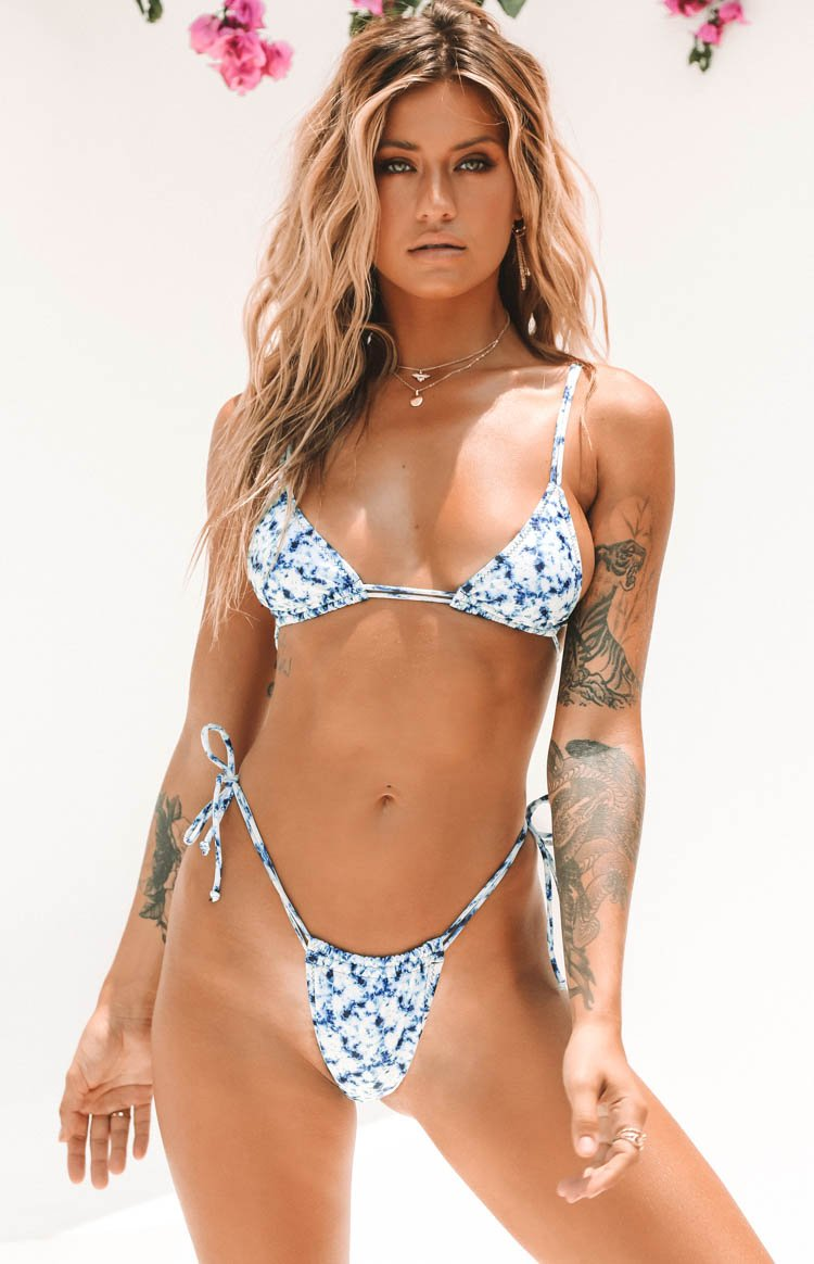 https://files.beginningboutique.com.au/20191211-SAMBA+BIKINI+BOTTOMS+TIE+DYE.mp4