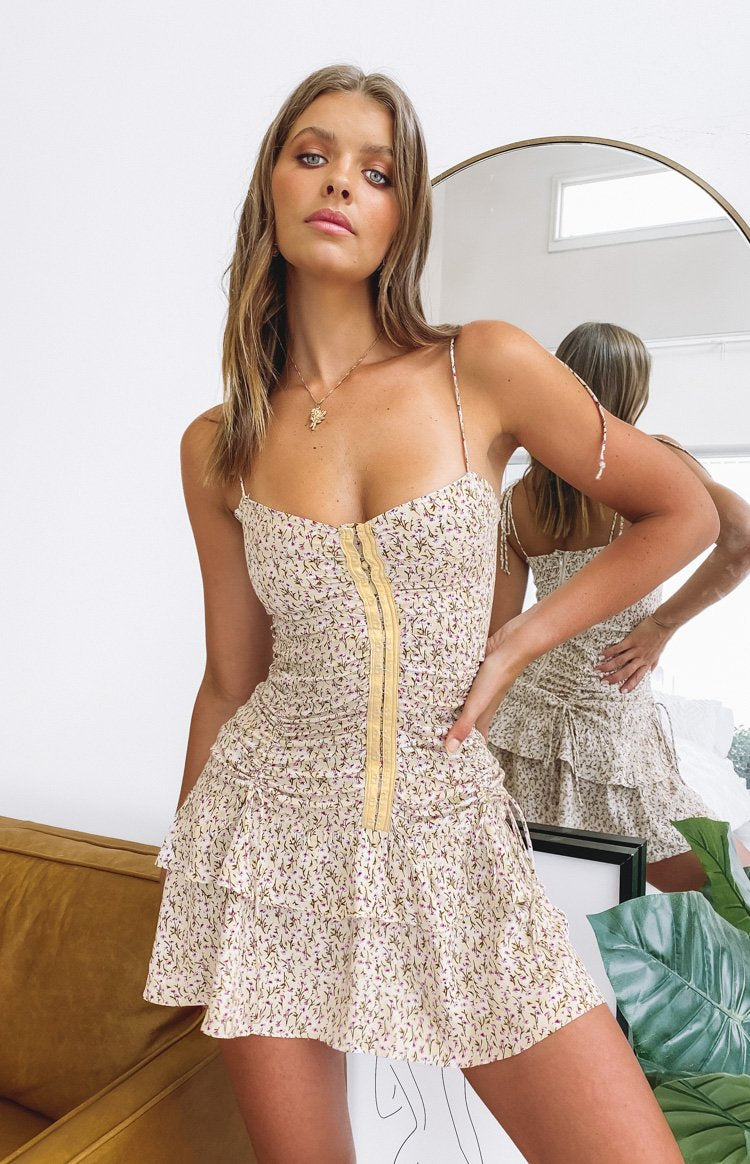 https://files.beginningboutique.com.au/20200106-SNDYS+Twin+Flames+Dress+Beige+Floral.mp4