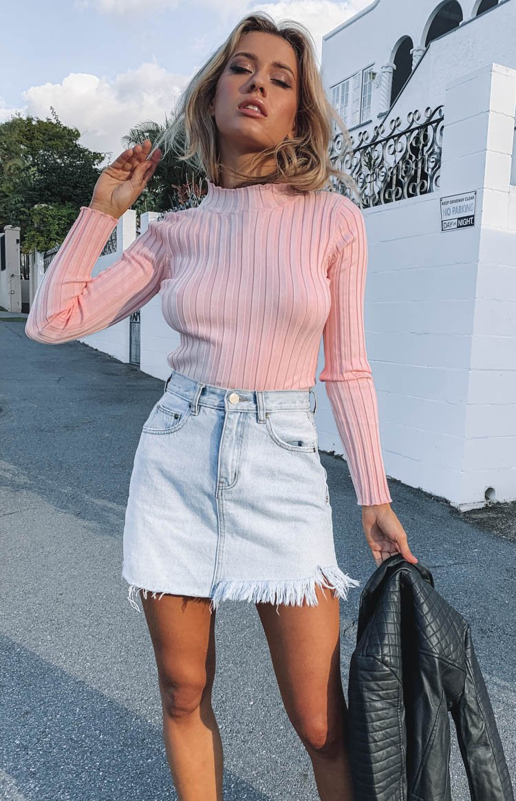https://files.beginningboutique.com.au/Sakura+Ribbed+Knit+Top+Pink.mp4