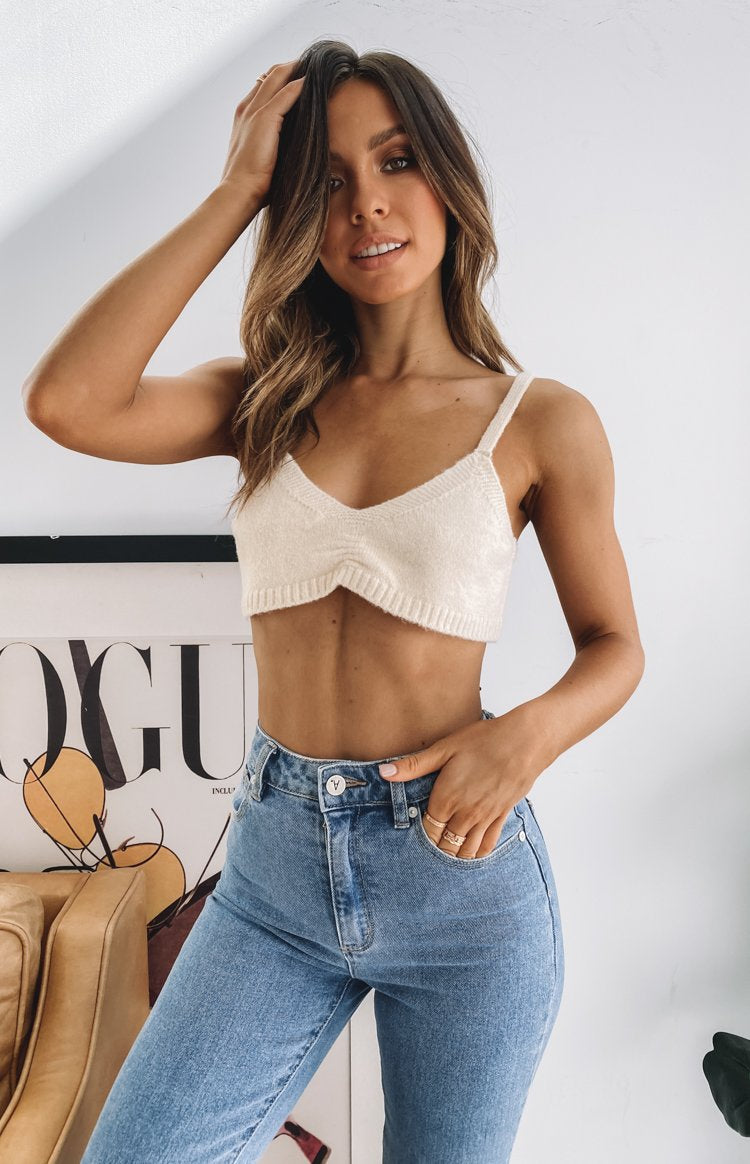 https://files.beginningboutique.com.au/20200617-Saved+Knit+Crop+Top+Beige.mp4