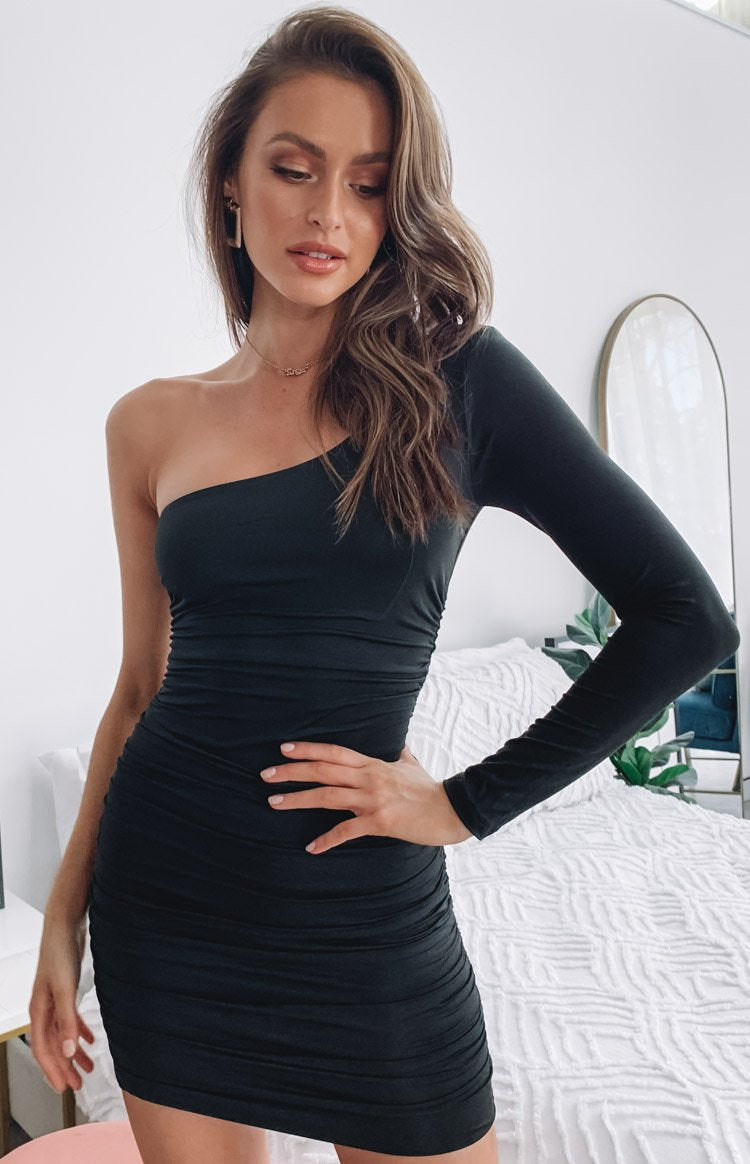 https://files.beginningboutique.com.au/Hidden+valley+One+Shoulder+Midi+Dress+Black.mp4