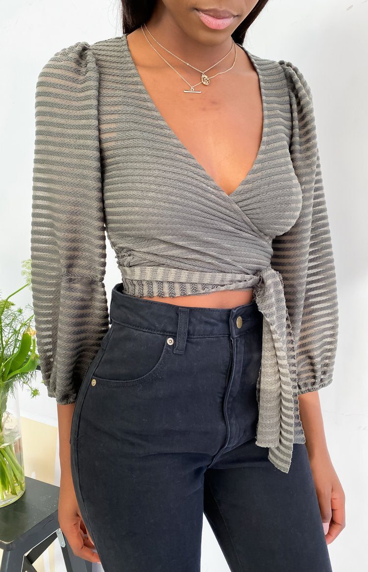https://files.beginningboutique.com.au/20200720+-+That's+A+Wrap+Top+Khaki.mp4