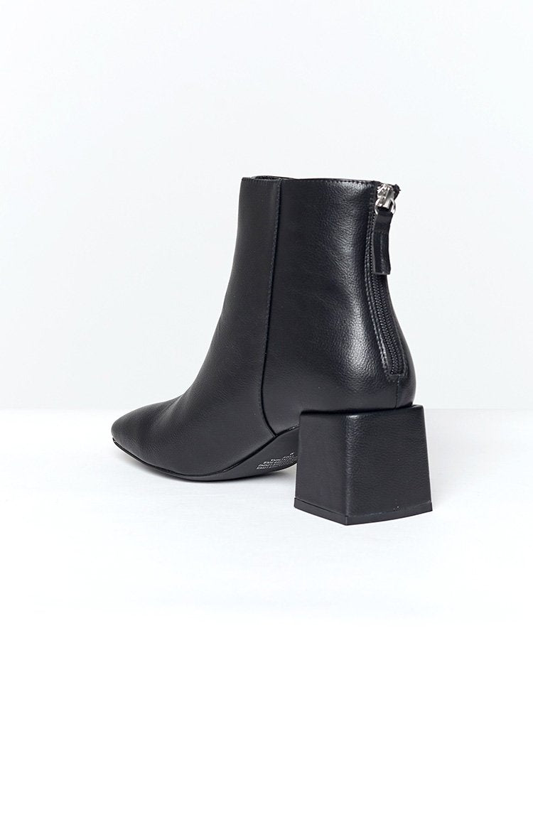 Therapy Cody Boots Black Tumbled PU