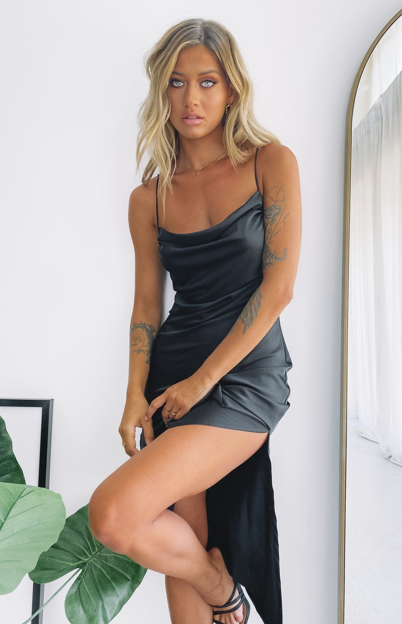 https://files.beginningboutique.com.au/Toto+Black+Slip+Dress.mp4